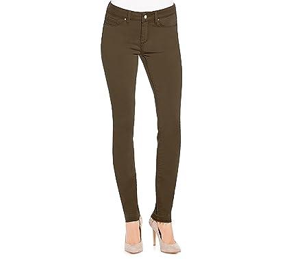 dc6d5e2c82b Jessica Simpson Women s Plus-Size The Kiss Me Super Skinny Pant at Amazon Women s  Clothing store