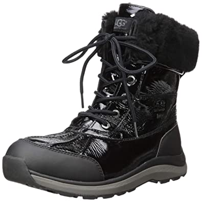 0ce8c2333d UGG Women s W Adirondack III Patent Snow Boot Black  Amazon.co.uk ...