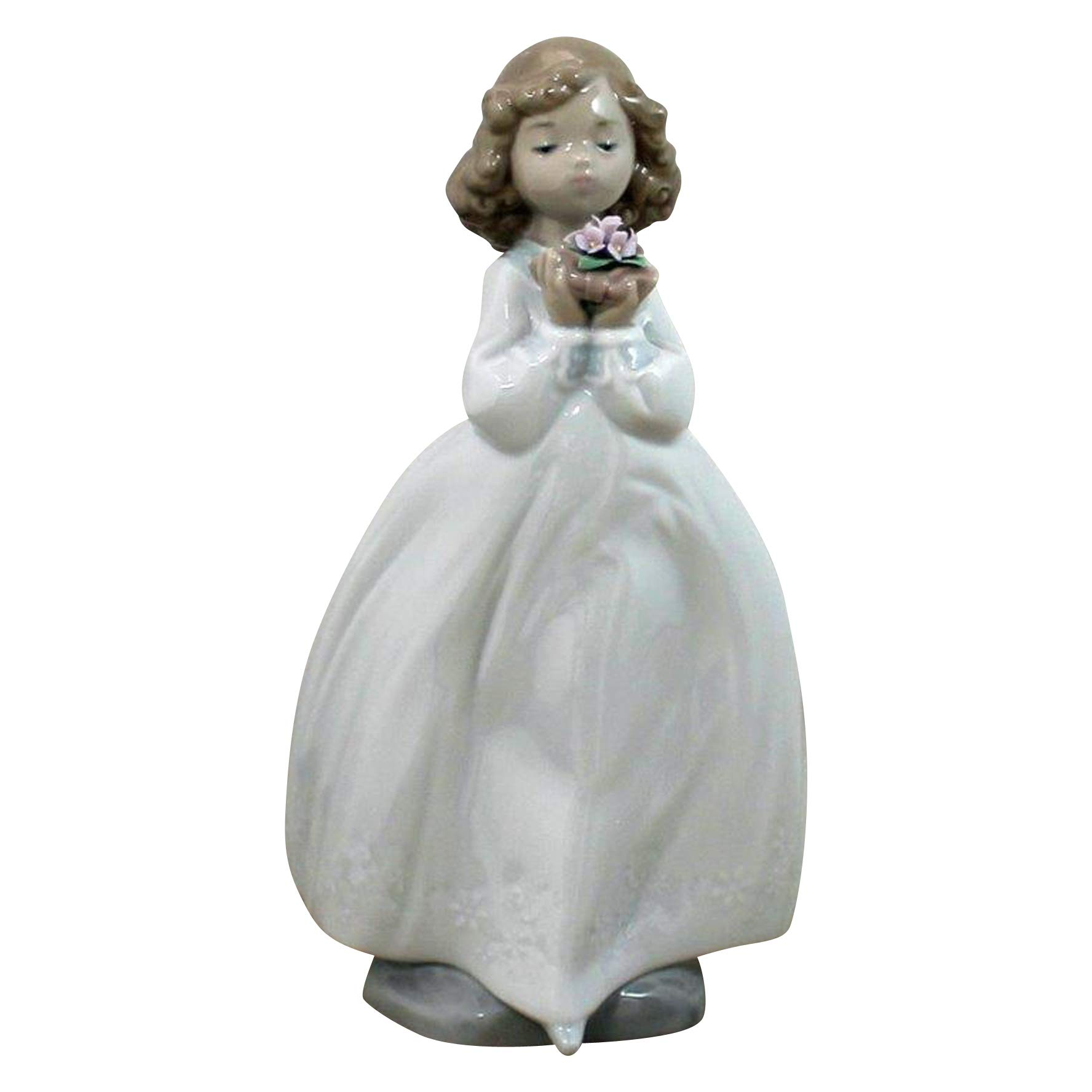 """Nao by Lladro Collectible Porcelain Figurine: THE FLOWER GIRL - 7 3/4"""" tall"""