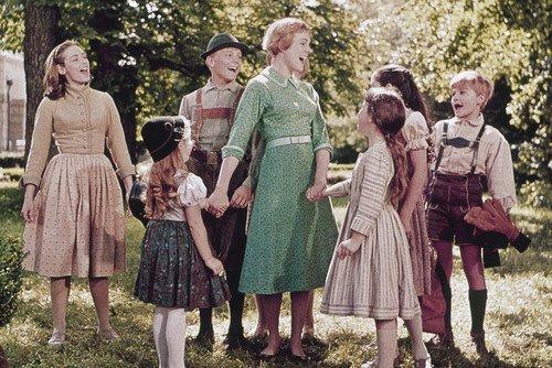 1x17 Mini Poster with the Von Trapp children ()