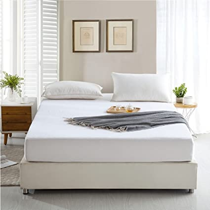 Snoopy Ultra Terry Cloth 100% Water Proof Mattress Cover/Mattress Protector (White, 72