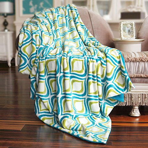 Home Soft Things Printed Mystic Throw with Solid Flannel Back, 50