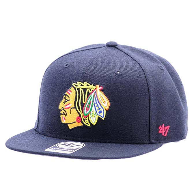 a8c091fdf3c Amazon.com  Chicago Blackhawks 47 Brand Sure Shot Snapback Hat  Clothing