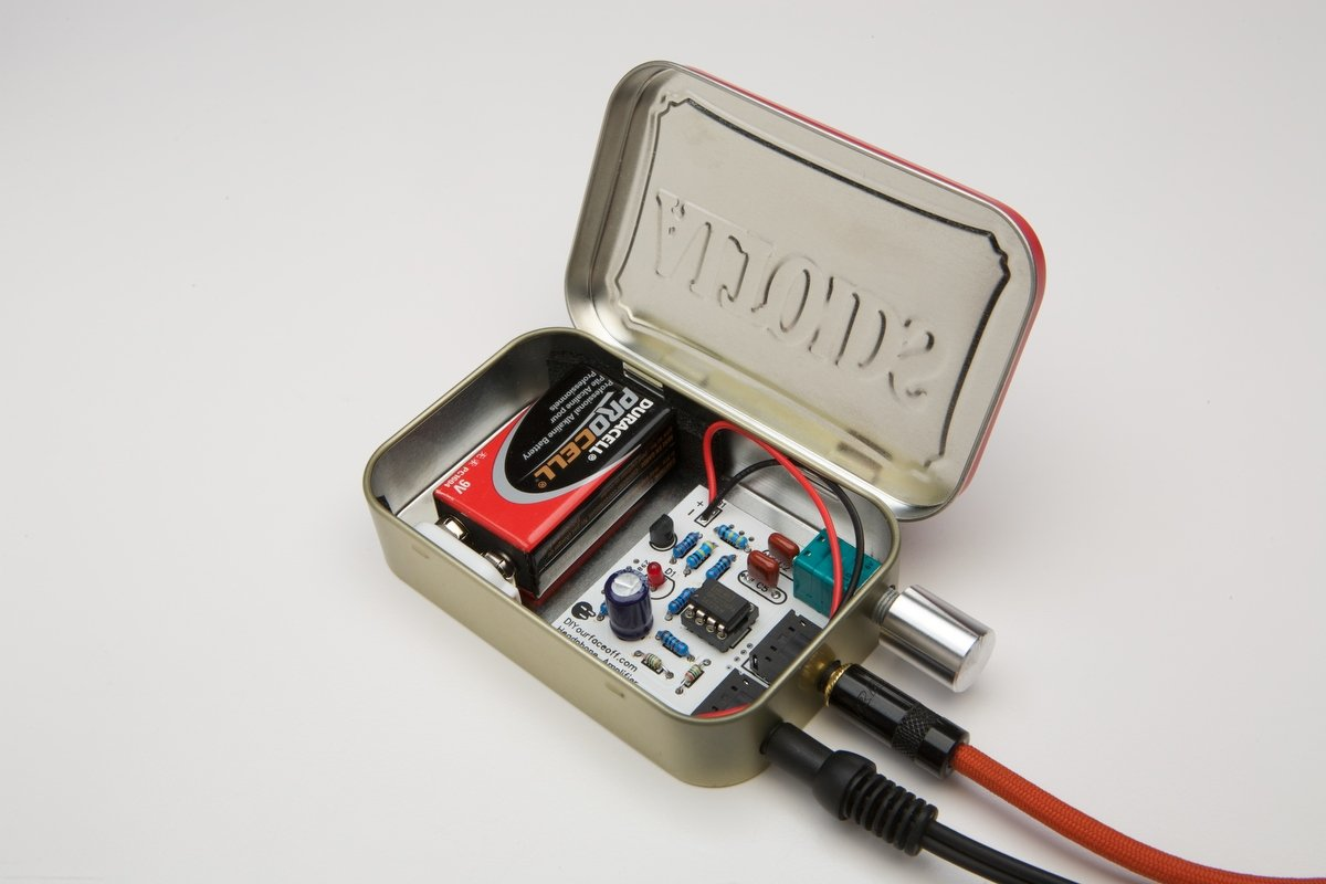 Audiophile CMOY headphone amplifier USA made with high quality  parts-Altoids Red Tin