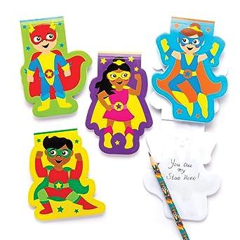 Baker Ross- Libretitas de notas de superhéroes (Pack de 8) -Blocks para niños, cuadernos para escribir perfectos para bolsas sorpresa, regalito de fiesta de Halloween, relleno de piñata: Amazon.es: Amazon.es