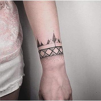 tatouages temporaires bracelet motifs géométrique tour de