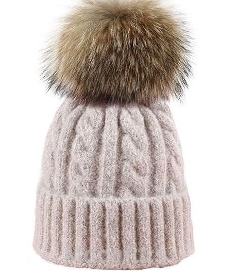 444a4cdeee8 Amazon.com  Moda Furs Women s Oatmeal Beige Cable Wool Knit Hat Finn  Raccoon Fur Pom Pom  Sports   Outdoors