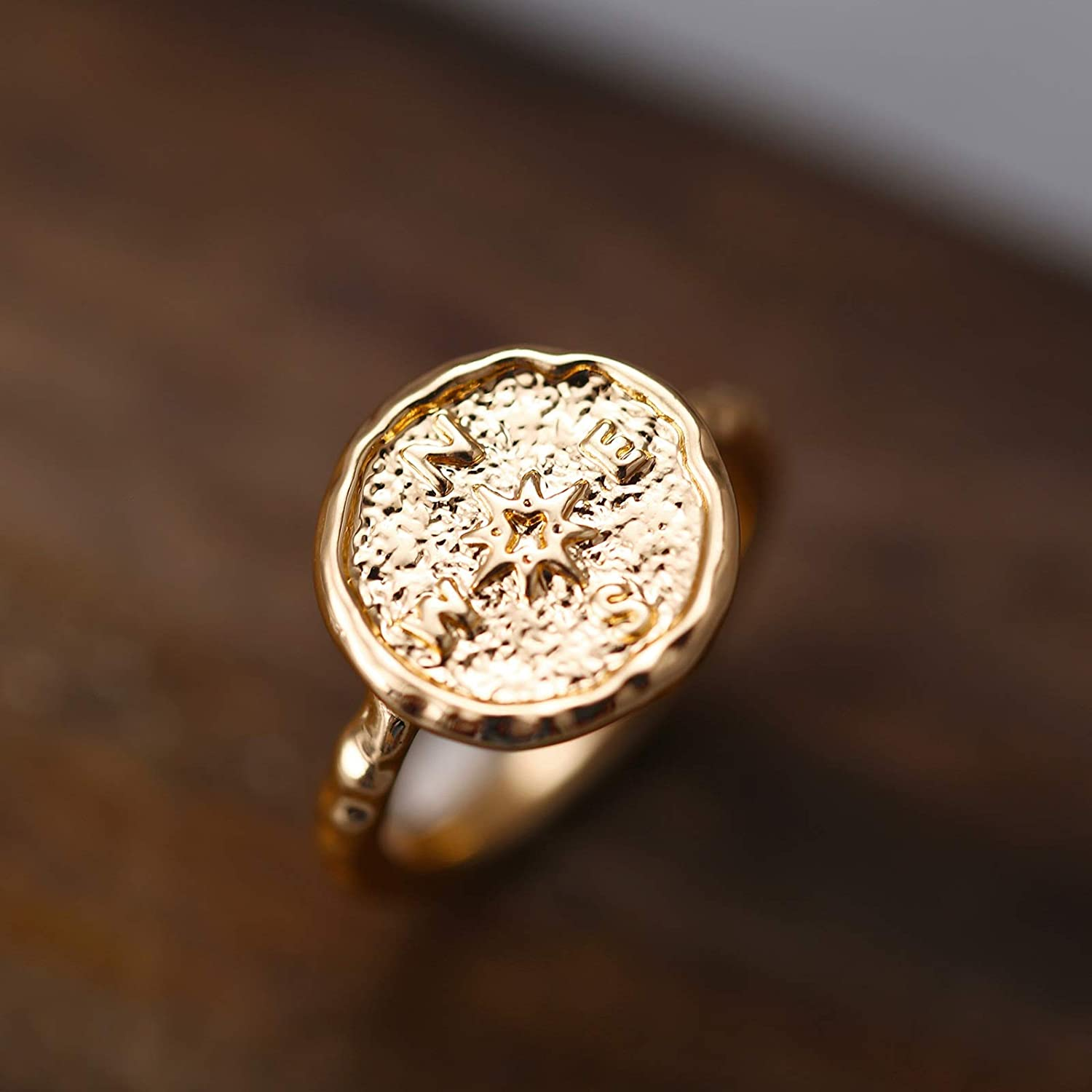 Aokarry Fashion Gold Plated Compass Ring for Women in Alloy Size 9