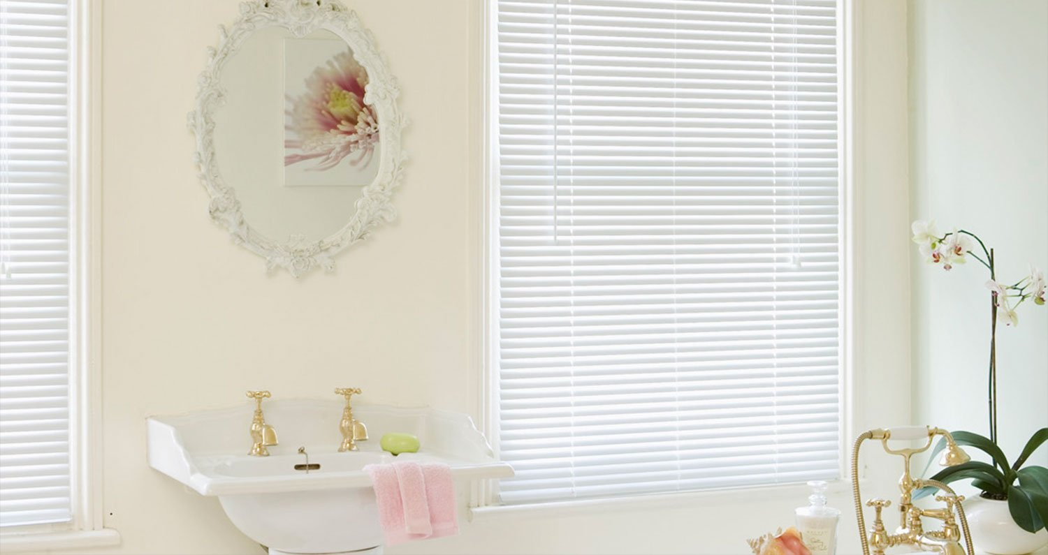 eXtreme® Aluminium Venetian Blind White - Very High Quality 25mm Wide Slat - Made To Your Own Sizes - Just Order & E-Mail Your Sizes! (600mm width x 1800mm height) WDCB ONLINE