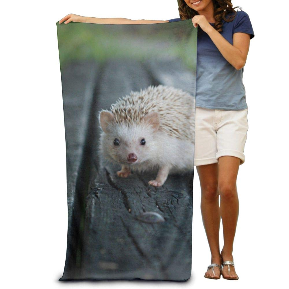 Super Absorbent Beach Towel Wood Hedgehog Polyester Velvet Beach Towels 31.551.2 Inch
