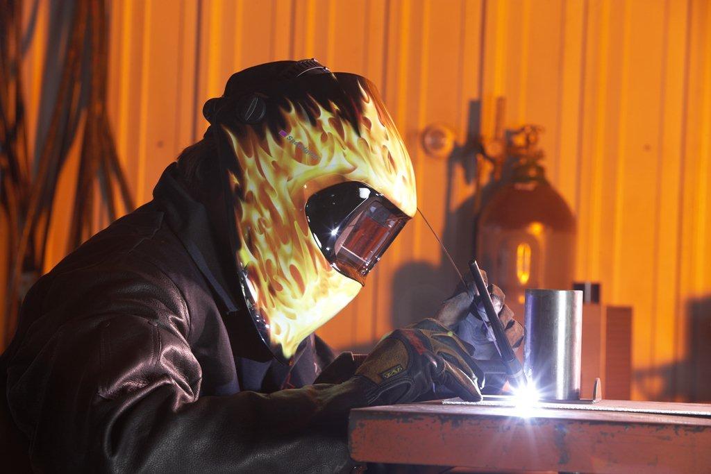 3M - Casco de soldadura Speedglas 100 FutureCombatant con filtro de oscurecimiento automático 100 V 07-0012-31FC: Amazon.es: Amazon.es