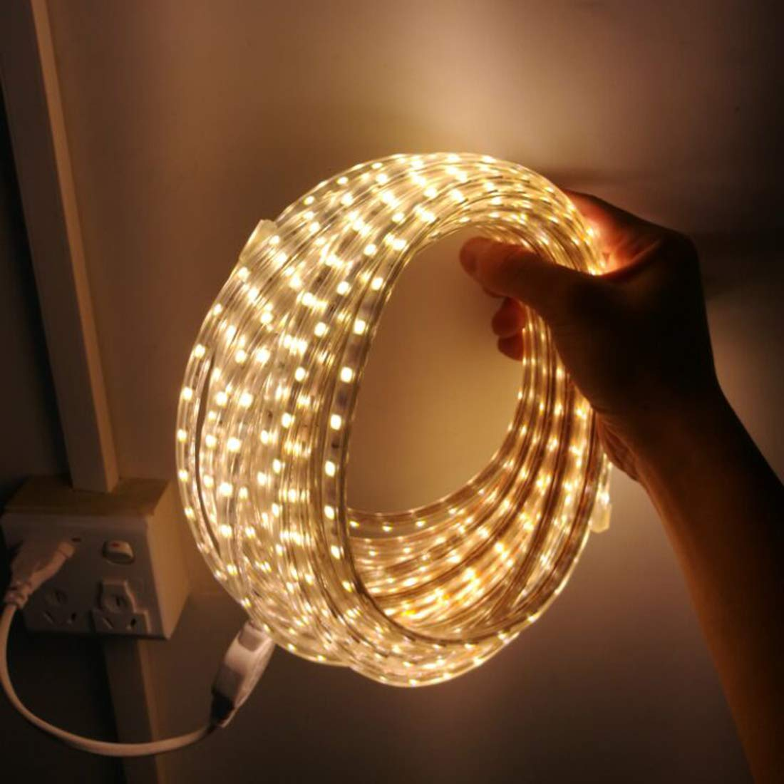 Ruban LED Etanche Lumineux Bandeau Led 220v Ruban /à LED 5050 IP65 Etanche Bande Strip Led 4m Blanc chaud