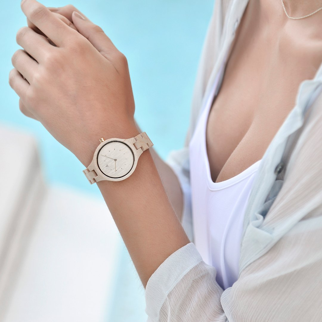 Amazon.com: MAM Originals · Geese Maple | Womens Watch | Minimalist Design | Watch Made from sustainably Sourced Wood | Superior Quality at an Affordable ...