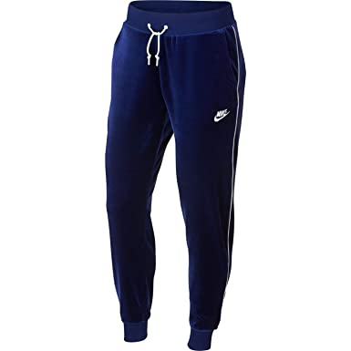 aecdab992b52 Nike Womens Velour Sweatpants at Amazon Women s Clothing store