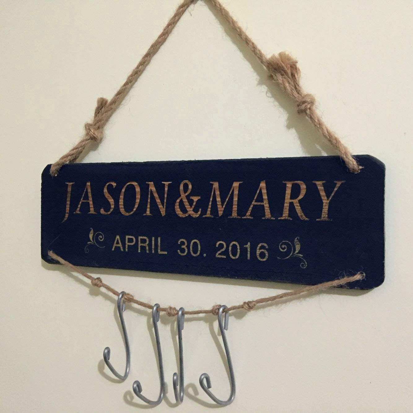 Custom Key Holder Key Hanger, Rustic Wall Key Holder Wall Key Racker Personalized Wedding Gift Housewarming Gift Engagement Gift Bridal Shower Gift