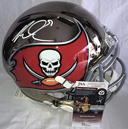 d42a6538d Amazon.com  Mike Evans Signed Autographed Tampa Bay Buccaners Bucs Riddell  Chrome Full Size Football Helmet- JSA Certified  Sports Collectibles