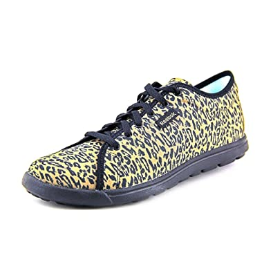 Reebok Women s Skyscape Runaround Walking Shoe faaa522f1