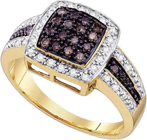 anillo de oro amarillo con diamantes marrones en forma de sello