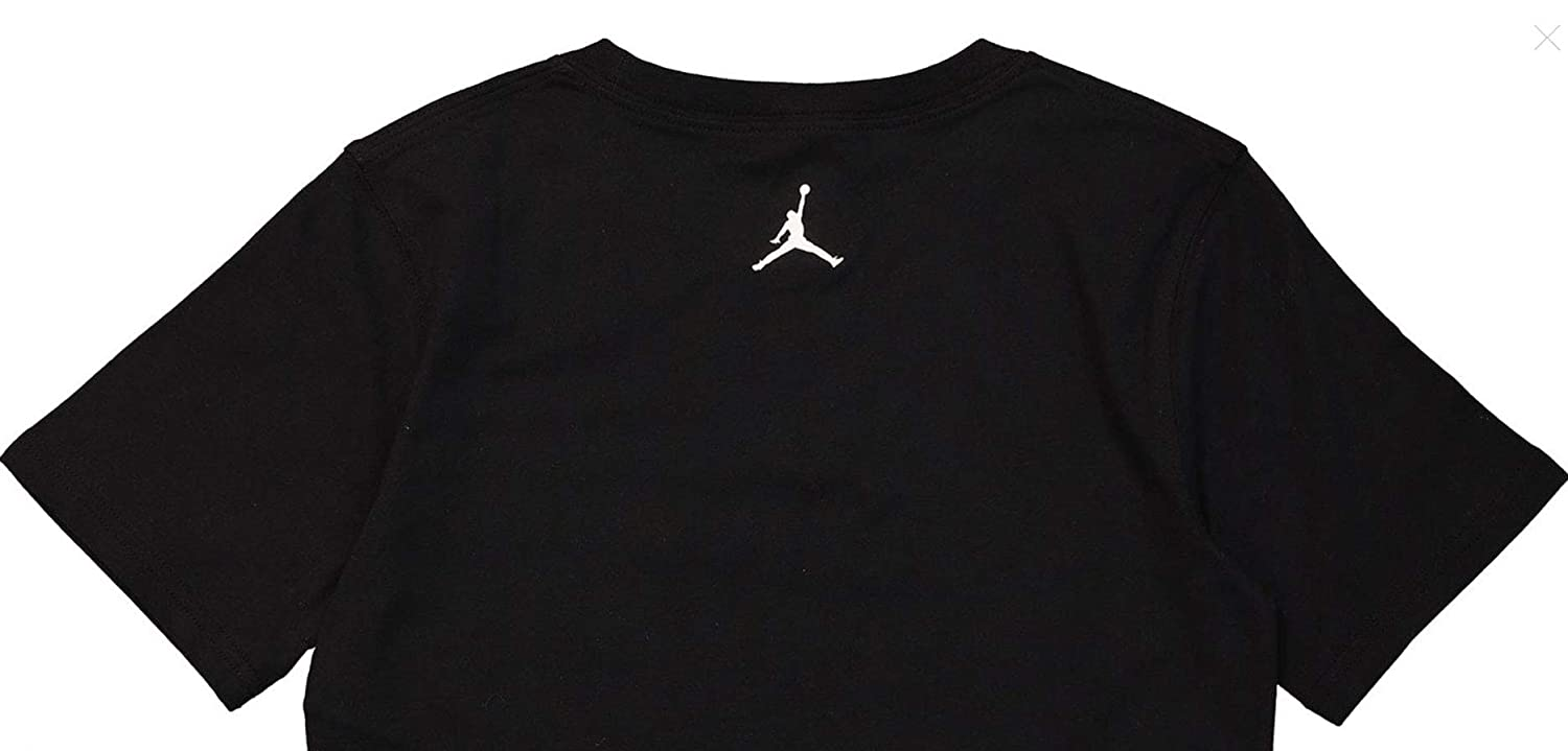 3fb0c81b5e5f65 Nike Boys Air Jordan Logo T-Shirt Youth Size (Small) Black  Amazon.co.uk   Sports   Outdoors