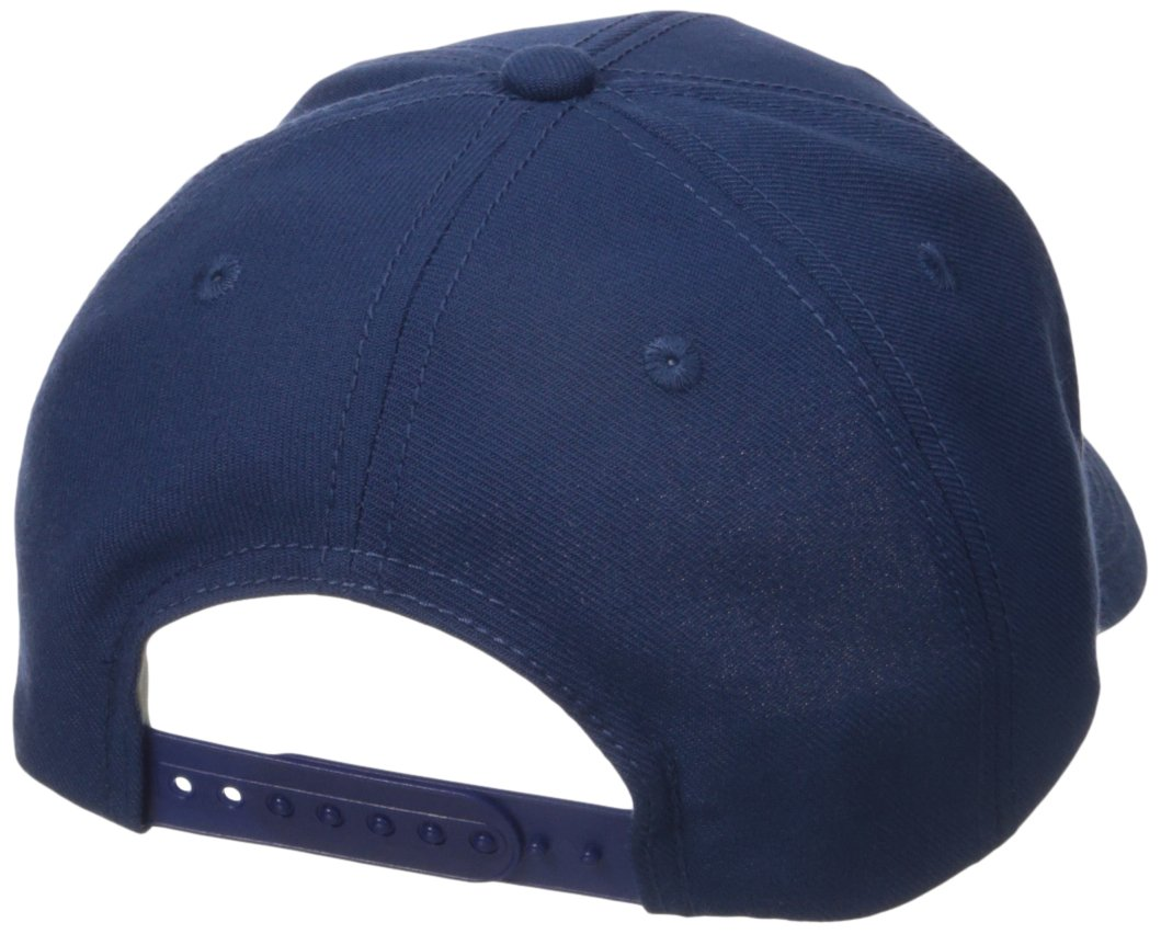 detailed look 7d06f 4f07d Amazon.com   NHL Toronto Maple Leafs Men s CCM Stand Out Structured  Adjustable Cap, One Size, Navy   Sports   Outdoors