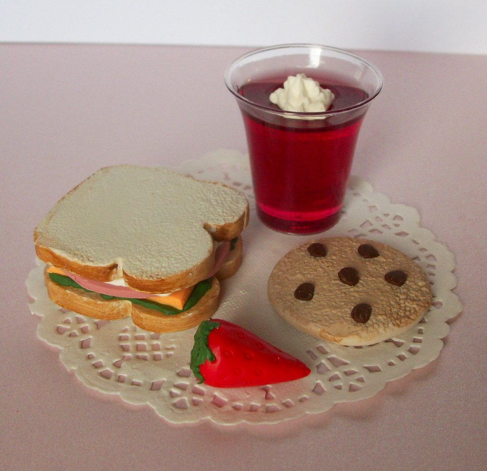 Lunch Playset Sandwich Juice Cookie Strawberry Clothes for 14 inch and 18 Inch dolls American Girl, Journey Girls, Our Generation, Madame Alexander, Wellie Wishers, Hearts for Hearts, Glitter Girls