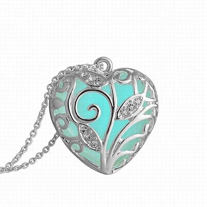 Collier Fantaisie Femme Pas Cher Kolylong Magical Aqua Blue Tree Coeur Glow  In The Collier Pendentif Cadeau Foncé  Amazon.fr  Bijoux 13dea4eb4104