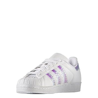 new concept cc7e5 6dc3a Amazon.com   adidas Superstar J Grade School Big Kids Cg3596   Sneakers