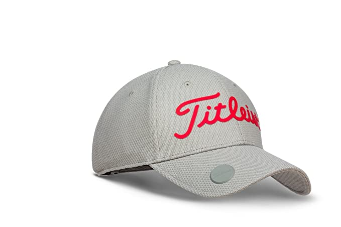 4459bc4ca6a Amazon.com  Titleist 2018 Performance Adjustable Ball Marker Hat ...
