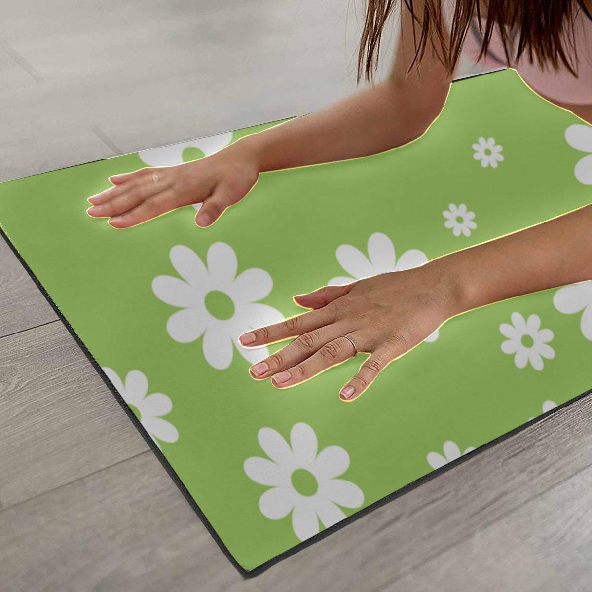 Amazon.com: Exercise Floor Mat White Flowers On Green ...