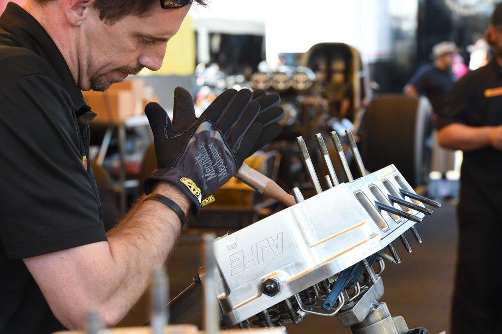 Mechanix Wear 185184 Slip-On Elastic-Cuff Mechanic's Glove Fast Fit Gloves, L by Mechanix Wear (Image #4)