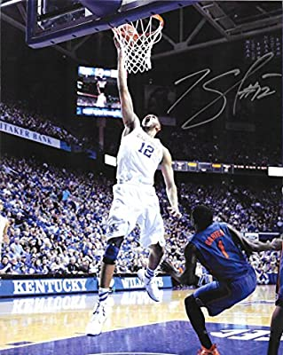 Karl-Anthony Towns - Hand Signed 8x10 UK Kentucky Wildcats Photo w/ COA
