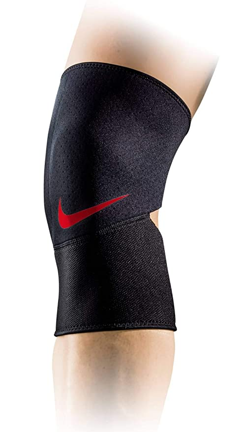 a276f659c1 Amazon.com: Nike Pro Closed-Patella Knee Sleeve 2.0: Sports & Outdoors