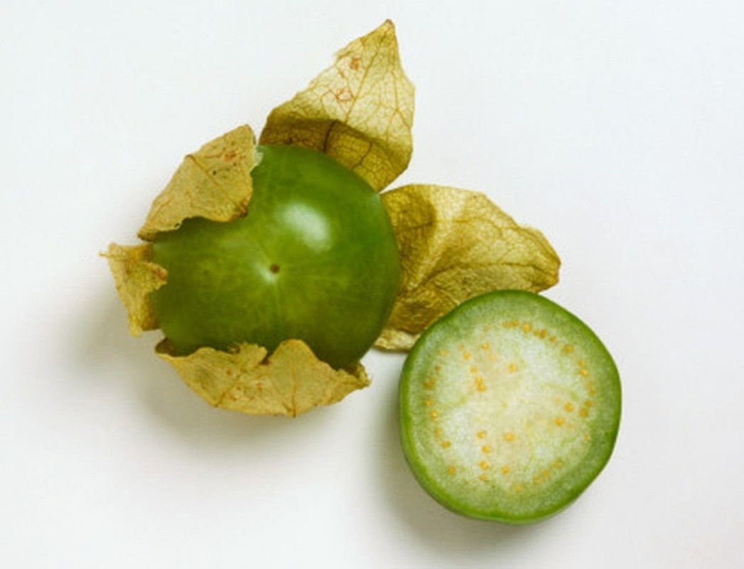 Amazon.com : Tomatillo Verde - Makes GREAT Salsa!!, Moles!!, Sauces!!!!!(50 - Seeds) : Garden & Outdoor