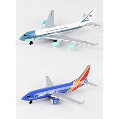 "Daron Air Force One, Southwest Airlines Diecast Airplane Package - Two 5.5"" Diecast Model Planes: Toys & Games"