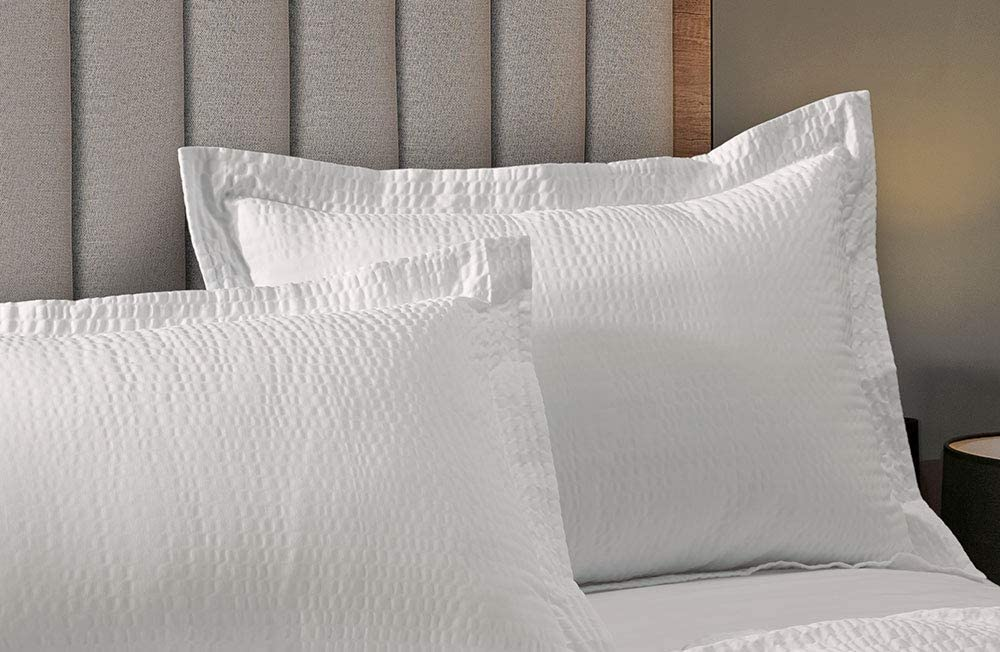 "Courtyard by Marriott Textured Pillow Sham - 1 Decorative Pillow Sham with Wash-Activated Ripple Texture Exclusively for Courtyard Hotels - White - King (20"" x 36"" after washing)"