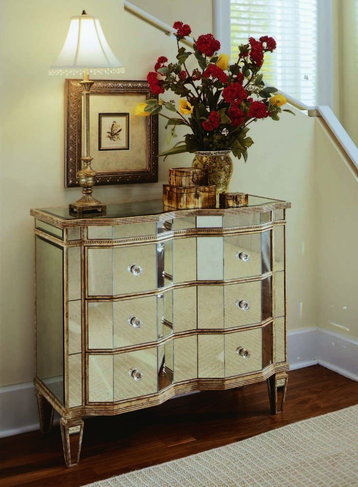 Amazon.com: Hooker Furniture Preston Ridge Mirrored Three Drawer Chest:  Kitchen U0026 Dining