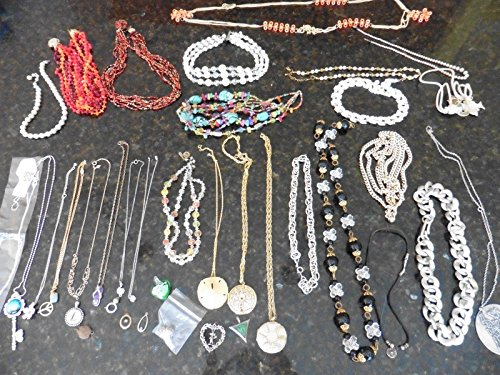 [LOT of Necklaces Some Vintage Costume Jewelry beads faux pearl crystal pendant +] (Vintage Costume Jewelry Lot)