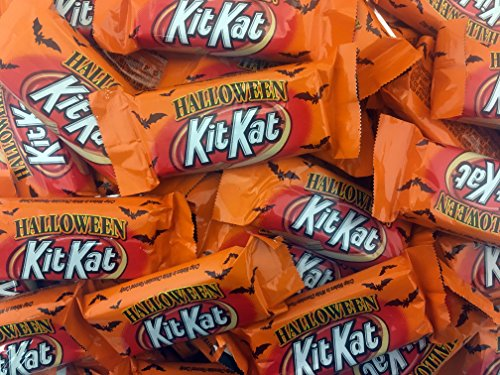 Kit Kat Crisp Wafers Orange Colored Halloween Treats, Snack Size (Pack of 2 Pounds)]()