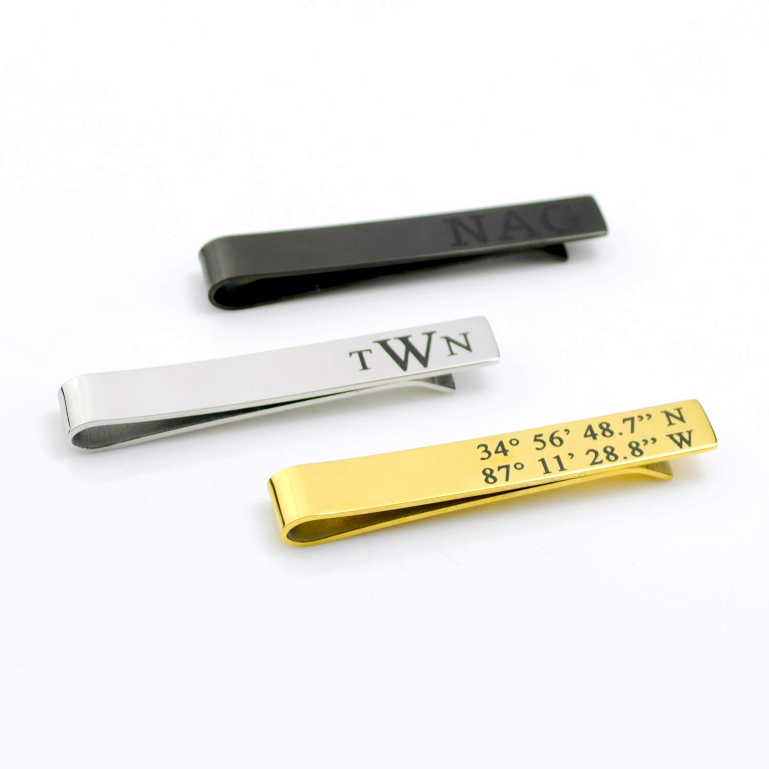 You are a big fan of your best gentleman dad. You love gazing at him in his suit. How about giving your best dad a Special Message Tie Bar on this Father'Day? It'll be the best present for daddy. Wear it on his tie and show him your huge admiration right now.