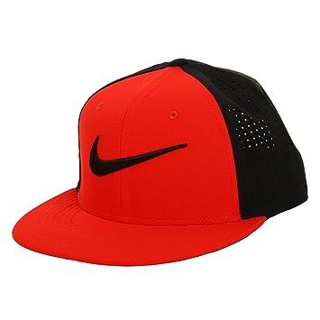 fd645769e01 Nike Train Vapor True Hat Black University Red Black Black Caps  Amazon.co. uk  Sports   Outdoors