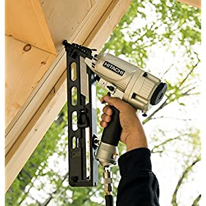 Hitachi NT65MA4 1-1/4 Inch to 2-1/2 Inch 15-Gauge Angled Finish Nailer with Air Duster