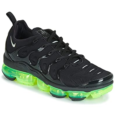 sneakers for cheap dbf3d a11b5 Amazon.com | Nike Air Vapormax Plus Mens 924453-015 | Shoes