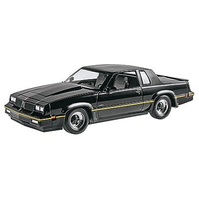 Revell 1/25 '85 Oldsmobile 442/FE3-X Show Car Plastic Model Kit: Toys & Games