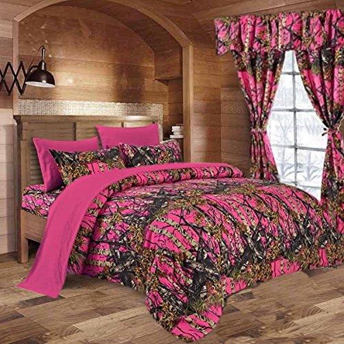 - 20 Lakes Super Soft Microfiber Camo Comforter Spread (Bright Pink)