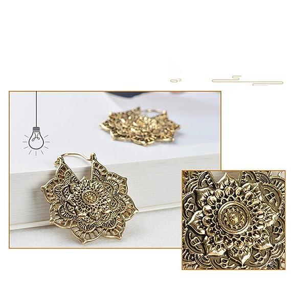 abae3d2455a0 FENICAL Pendientes de las mujeres Behimian Style Patrón de flores Vintage  Ahueca hacia fuera los anillos de oído Ganchos joyería romántica (Antique  Golden)  ...
