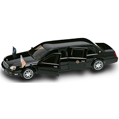Yat Ming Scale 1:24 - 2001 Cadillac Deville Presidential Limo: Toys & Games