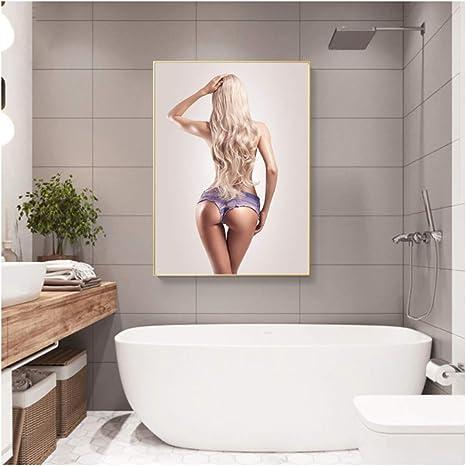 Mädchen küssen Mädchen Badezimmer