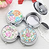 BERTERI 2PCS Creative Preciosity Fashion Round Cigarette Keychain Portable Ashtrays Stainless Steel Pocket Ashtray Cinzeiro Random Delivery