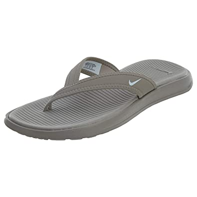 bc0bbc2309ae Nike Women s Celso Ultra Thong Flip Flops (6