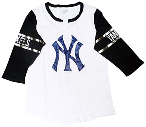 Amazon.com   5th   Ocean New York Yankees Women s 3 4 Sleeve V-notch ... ce12186c0f0